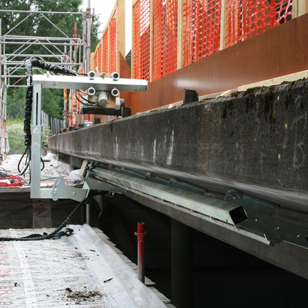 Aqua Spine Hydrodemolition Multi-Modular Support Rail Parapet Beam