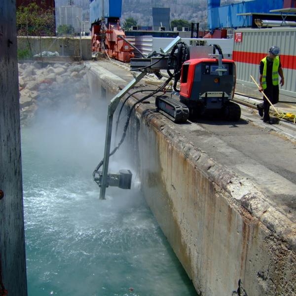 Aqua cutter hydrodemolition robot bridge concrete repair