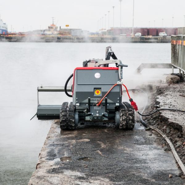 aqua cutter 410A aquajet hydrodemolition refractoring industrial cleaning bridge harbor